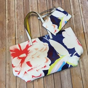 Echo Reversible Floral Tote and Matching Bag